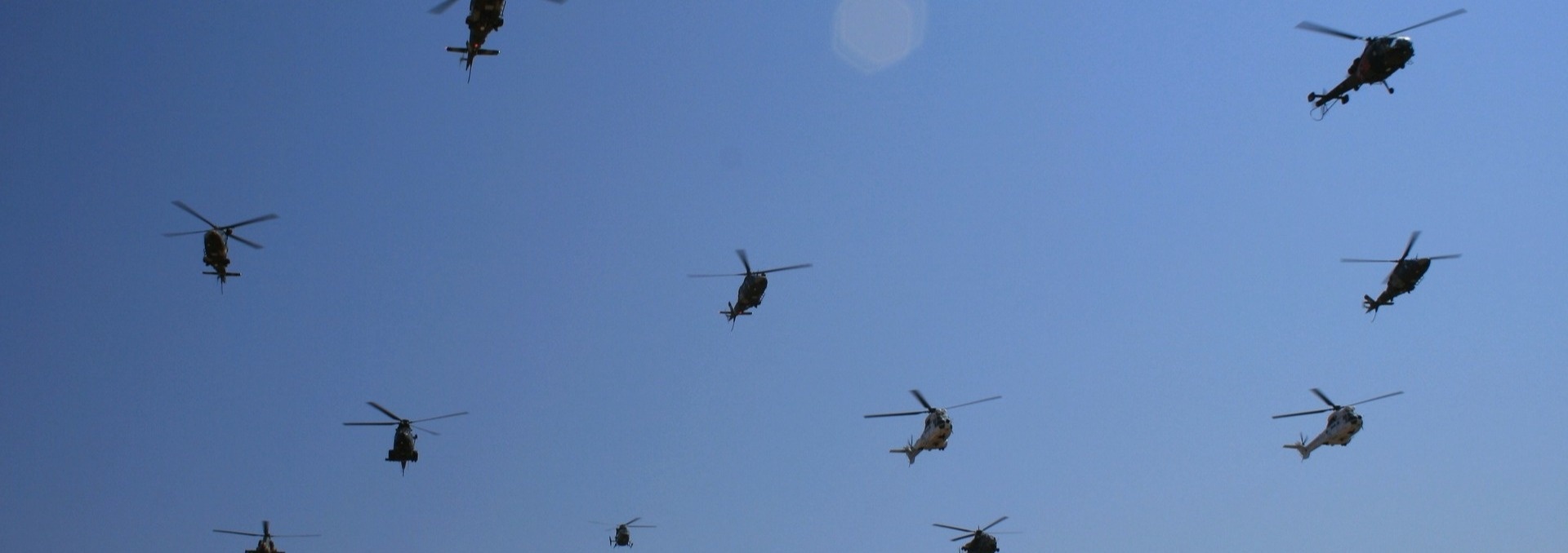 helicopters-174531_1920-copy-2